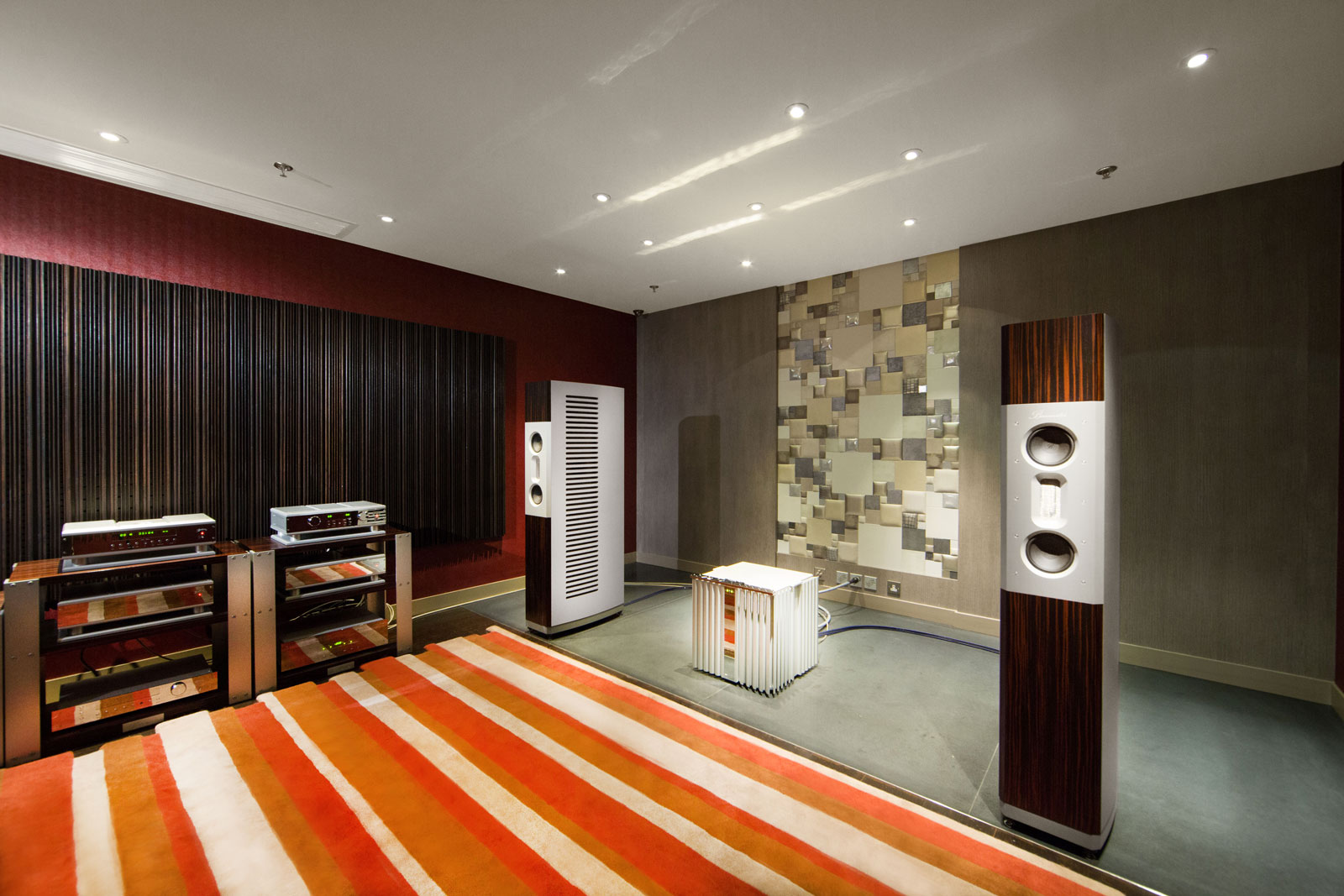 As is similar to all our demo rooms, the Burmester room is also acoustically treated to create a listening space which is tonally balanced with a smooth response through the resonances.